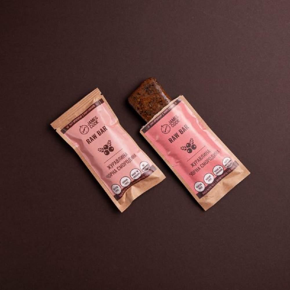 Корисний батончик Вишня-какао James Cook 50 г