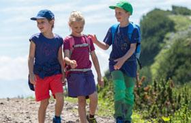 Дитячі шорти і плавки